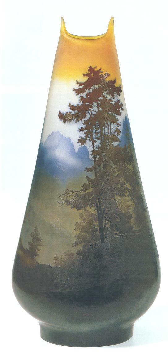 Emile gall vaso in vetro cameo paesaggio montano for Vaso galle